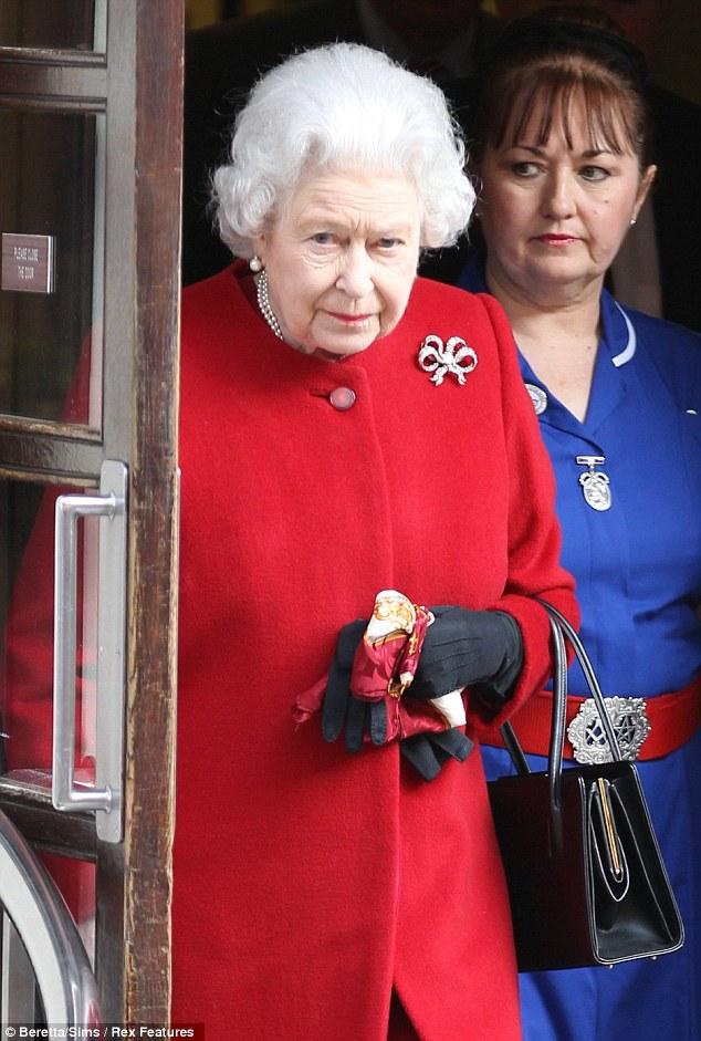 queen-elizabeth-ii-nurse-belt-buckle-pentagram-masonic-square-compass